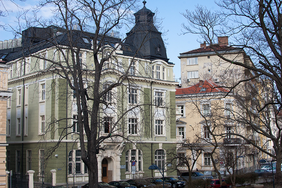 """Сградата на Банка ДСК на """"Московска"""""""
