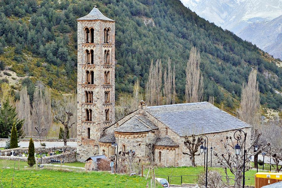 Романски църкви във Вал-де Бой. Сн: Роджър Йозеф