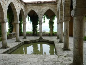 Храмът на водата (Нимфеумът), където са се чествали рождените дни на Мария и семейството й