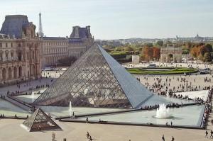 pyramid-louvre
