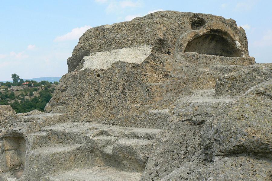 Култов комплекс Татул