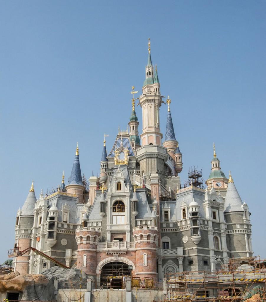 Shanghai_Disneyland_Castle